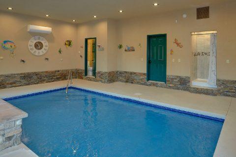Pool with half bath and Shower in cabin rental - Splashing Bear Cove