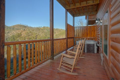 4 bedroom cabin with hot tub and private pool - Splashing Bear Cove