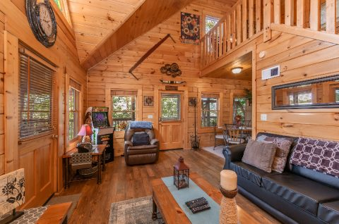 Honeymoon cabin with Fireplace and Arcade Game - Stairway To Heaven