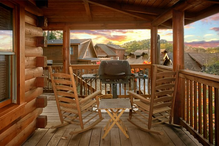 1 bedroom cabin with resort pool and gas grill - Stairway To Heaven