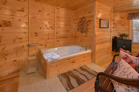 Luxury 3 Bedroom Cabin with Jacuzzi Tub - Star Gazer