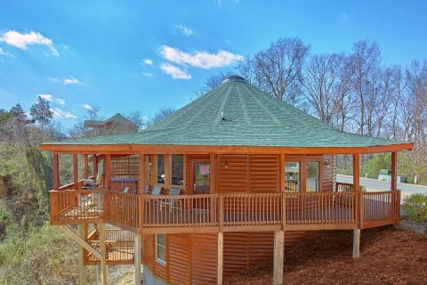 Round Cabin with Resort Pool Access - Star Gazer