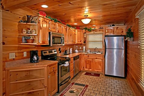 3 bedroom cabin with Full Kitchen - Sugar and Spice