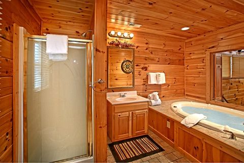 Master Bath in cabin with private Jacuzzi Tub - Sugar and Spice
