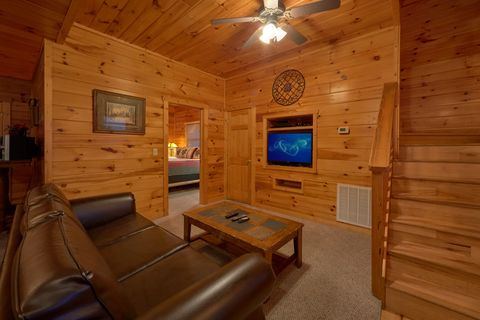 3 Bedroom luxury cabin with game room - Sugar and Spice