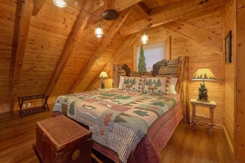 King Bed Open Loft Bedroom - Sugar Bear View