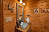3 Bedroom 3 Bath Cabin Sleeps 9