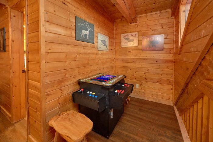 Arcade Game Table 3 Bedroom Cabin Sleeps 9 - Sugar Bear View