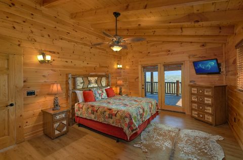 9 Bedroom luxury cabin with 7 King Bedrooms - Summit View Lodge