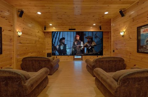 Theater Room in Premium 9 bedroom cabin - Summit View Lodge