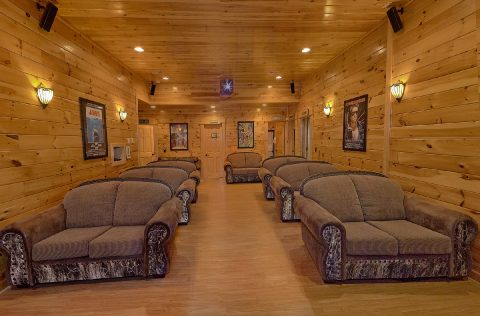 9 Bedroom Cabin with oversize theater room - Summit View Lodge