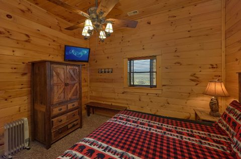 9 bedroom cabin with private King bedrooms - Summit View Lodge