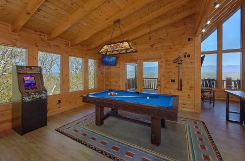 9 bedroom cabin with Pool Table and arcade game - Summit View Lodge