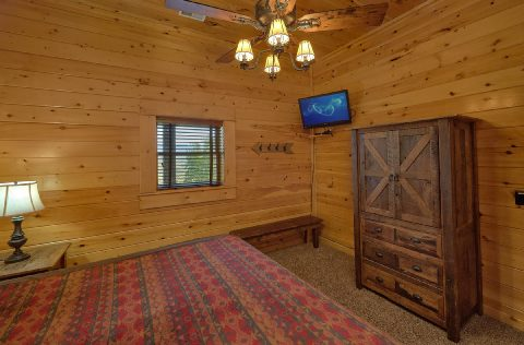 9 Bedroom cabin rental with 7 Private King Beds - Summit View Lodge