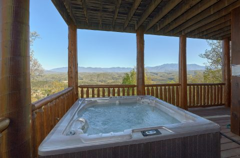 Luxury cabin with hot tub and Mountain Views - Summit View Lodge