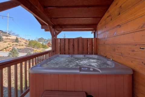 Spacious 3 bedroom cabin with Private hot tub - Sundaze