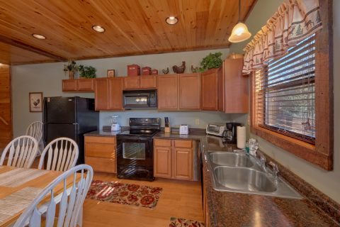 Pigeon Forge Cabin with full kitchen - Sundaze