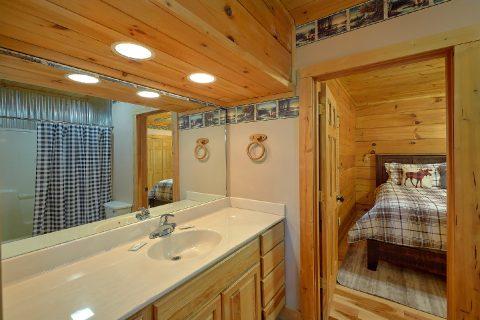 Master Bath Room - Sweet Mountain Air