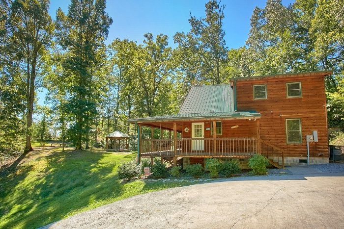 Secluded Cabin with Gazebo and Mountain Views - Sweet Seclusion