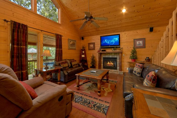 2 Bedroom Cabin with Luxurious Furnishings - Sweet Seclusion