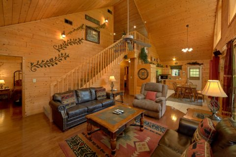 Secluded cabin with fireplace in living room - Sweet Seclusion
