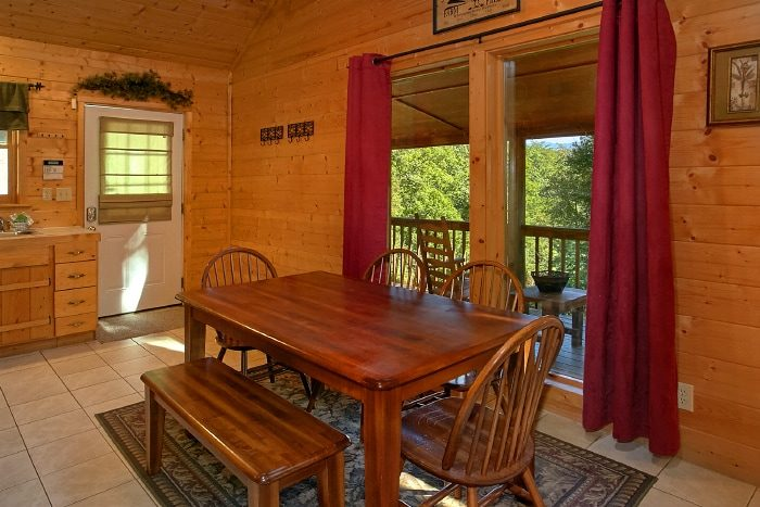 2 Bedroom Cabin with Dining Seating for 6 - Sweet Seclusion