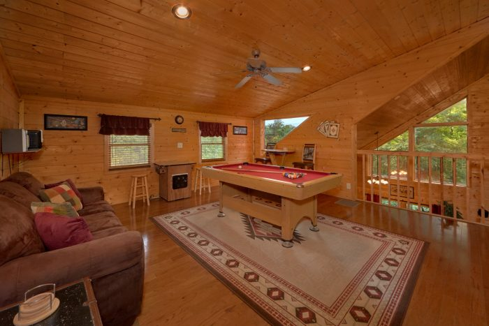 2 Bedroom Cabin with Pool Table and Arcade - Sweet Seclusion