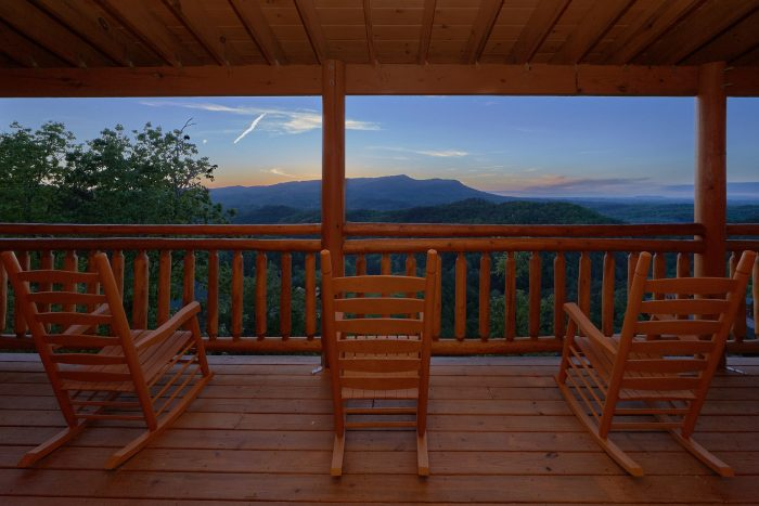 6 Bedroom Smoky Mountain Cabin with a Pool - Swimmin' In The Smokies