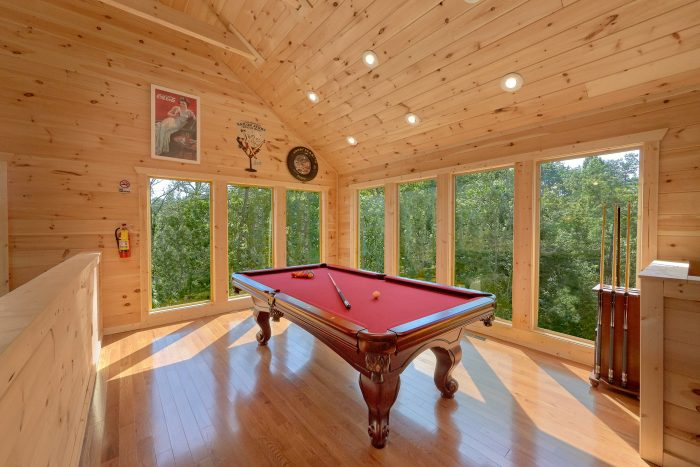 Large Loft with Game Room 2 Bedroom Cabin - Swimming Hole