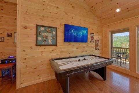 Game Room with Air Hockey, Pool Table - Swimming Hole