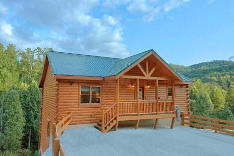 6 Bedroom Cabin with View and Private Pool - Swimming in the Smokies