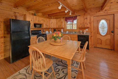 Smoky Mountain 1 Bedroom Cabin with Dining Area - Tennessee Dreamin