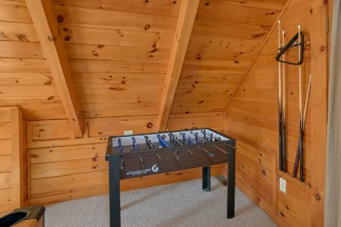 1 Bedroom Cabin with Foosball Table - Tennessee Dreamin