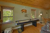 2 Bedroom Cabin with Shuffleboard and WiFi