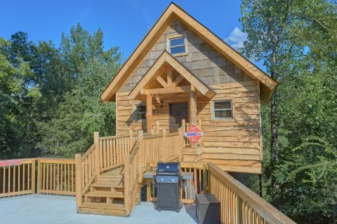 Luxurious 1 bedroom cabin with fire pit - Tennessee Treehouse