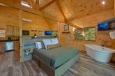 Luxurious Honeymoon cabin with King Bed