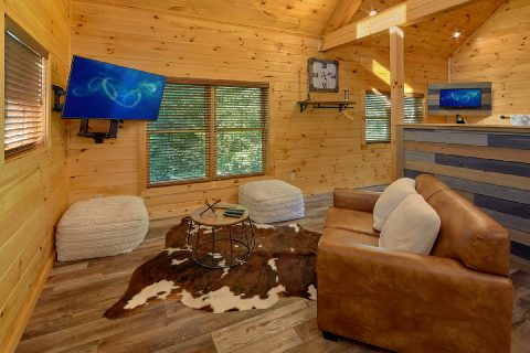 Living room with mountain views in rental cabin - Tennessee Treehouse