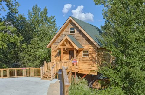 Treehouse cabin rental in Pigeon Forge - Tennessee Treehouse