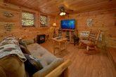 Unique 2 Bedroom Cabin with TV Sleeps 5
