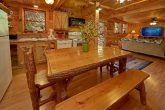 Rustic 2 Bedroom Cabin with Dining Table