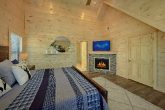Master Suite with Cable TV, Fireplace, and WiFi