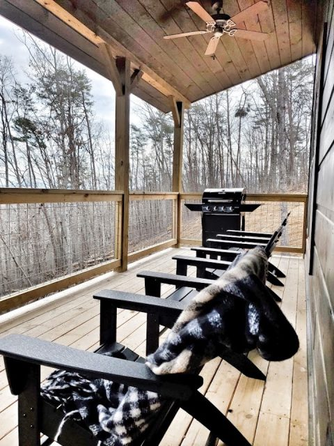 Spacious Deck with Plenty of Seating - The Bear and Buck