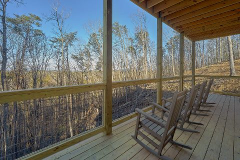Luxury 4 Bedroom Cabin with Rocking Chairs - The Bear and Buck