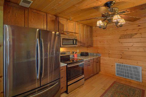 Spacious 6 Bedroom 4 Bath Cabin Sleeps 15 - The Big Cozy