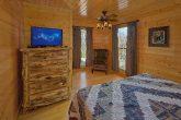 6 Bedroom 4 Bath Cabin Sleeps 15