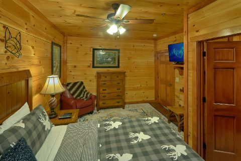Master Bedroom with King bed in 11 bedroom cabin - The Big Lebowski