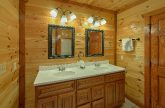 Private bath for bunk bedrooms in cabin rental