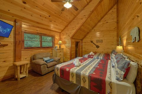 Luxurious Pigeon Forge cabin with 11 King Beds - The Big Lebowski