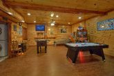11 bedroom cabin with air hockey and arcades