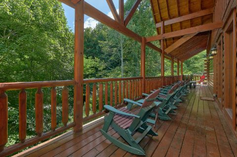 11 bedroom lodge with rocking chairs on deck - The Big Lebowski